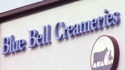 Retiran del mercado algunos helados Blue Bell por contagio bacteriano