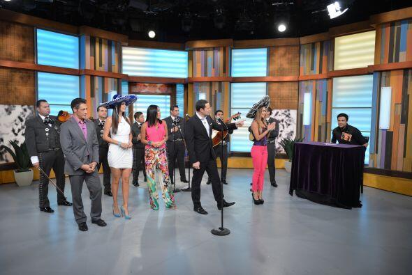 El mariachi llegó a Despierta América para participar en un segmento lla...