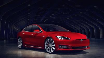 La corta pero intensa historia del Tesla Model S