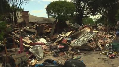 Dos familias hispanas pierden sus hogares y pertenencias en un incendio en Dallas