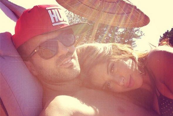 Cesc Fábregas compartió esta imagen con su novia Daniella Semaan.