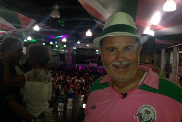 El Gordo de Molina visitó un salón de baile en la favela L...