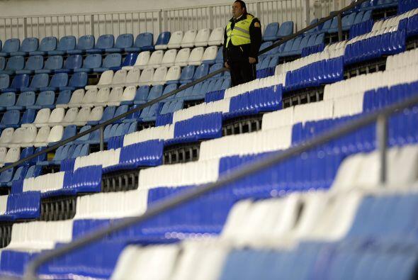 RiazorEn Riazor apenas se veían empleados de seguridad en las gradas.