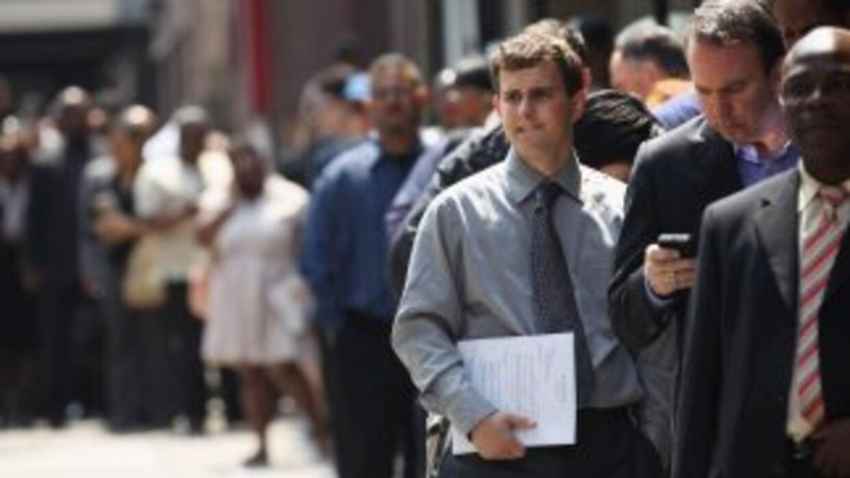 El índice de desempleo en Estados Unidos subió una décima, al 7,9%, en o...