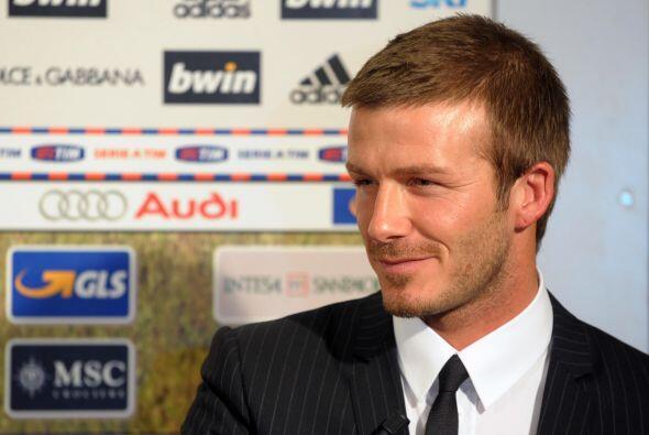 Tras el peinado de basquetbolista, Beckham optaría por lucir con la cabe...