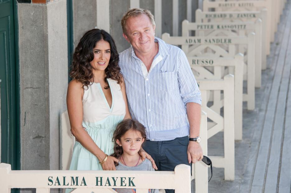 Valentina hija de Salma Hakey