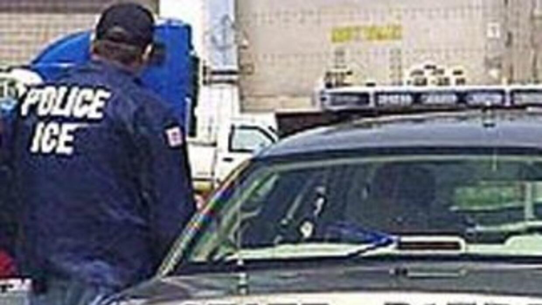 En la redada de Postville participaron cientos de agentes federales y es...