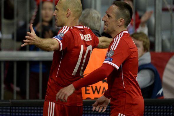 Y el holandés Arjen Robben se sumaba a los anotadoes.