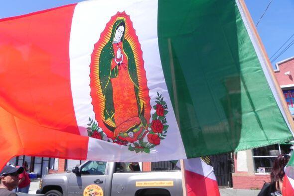 El color y sabor del Cinco de Mayo en Oakland.
