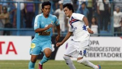 Sporting Cristal, dirigido por Roberto Mosquera, doblegó a Tigre en Lima...