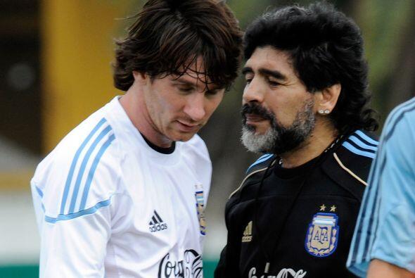 La fórmula que no funcionó, Maradona apostó a Messi, la ´Pulga´ no respo...