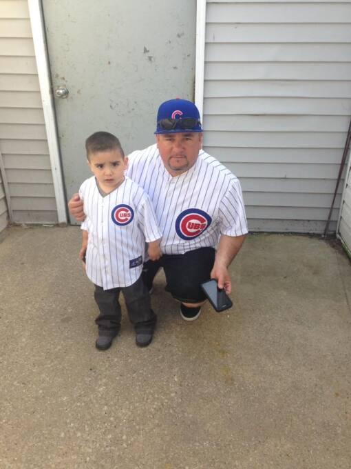 Fans los Cubs comparten sus fotos mostrando su apoyo al equipo que está...