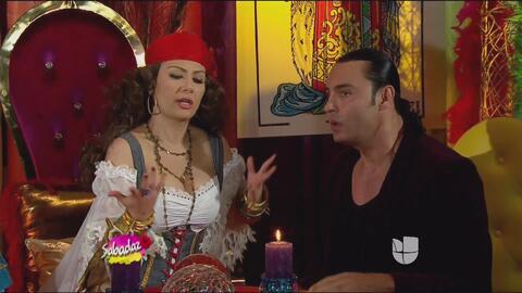 Madame Samié le predice el futuro a Latin Lover