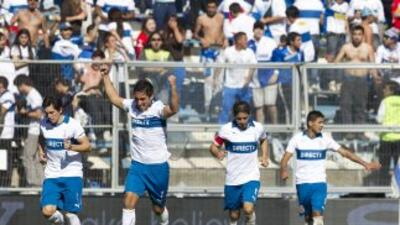 Católica afianzó su liderato con una goleada por 0-4 frente al Huachipat...