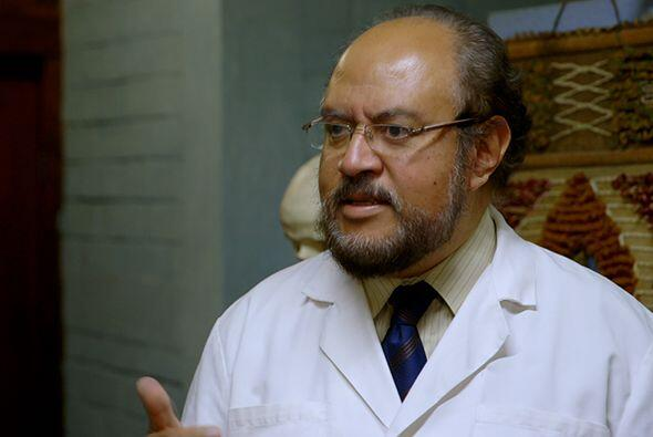 Finalmente, el doctor Juan encontró al doctor Ricardo Estrada, médico, c...