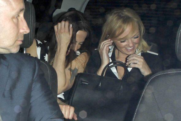 """Dentro del auto, Mel C y """"Baby Spice"""" se morían de la risa. Mira aquí lo..."""