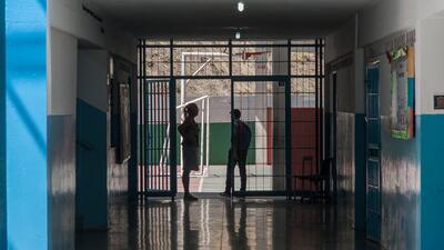 En fotos: Una escuela lucha por superar el asesinato de una de sus maestras