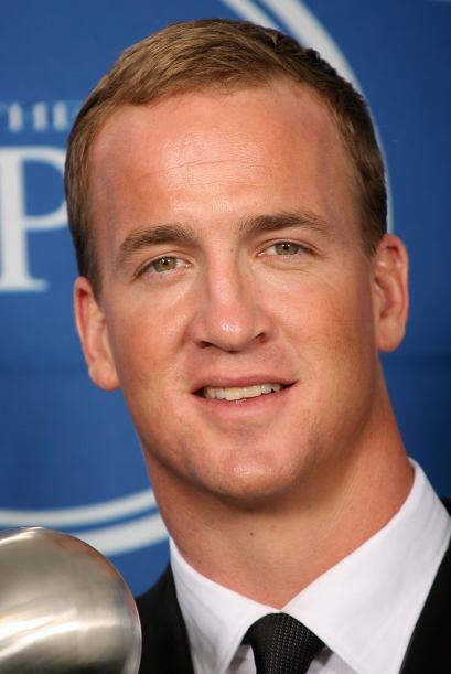 Peyton Manning Quarterback de los Broncos de Denver  Más videos de Chism...
