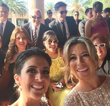 El equipo de Univision en una 'selfie' de Maity Interiano con Luz María...