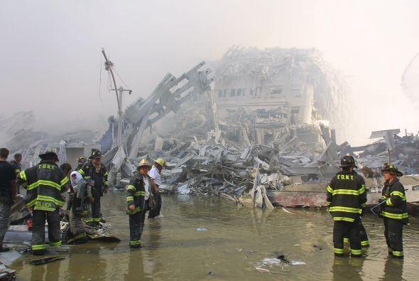 Un total de 343 bomberos murieron en las Torres Gemelas tras los ataques...