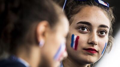 La alegría de las fanáticas en la semifinal del Mundial entre Francia y Bélgica