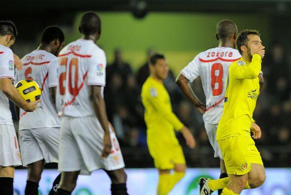 Y más tarde, Guiseppe Rossi puso las cosas 2-0.