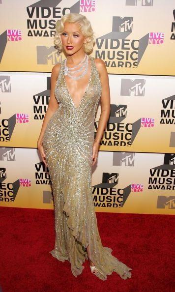 Aguilera conquistó al mundo con su imagen basada en la era de oro...