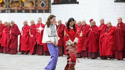 En su primer día de viaje, la Duquesa se reunió con la Reina de Bután.