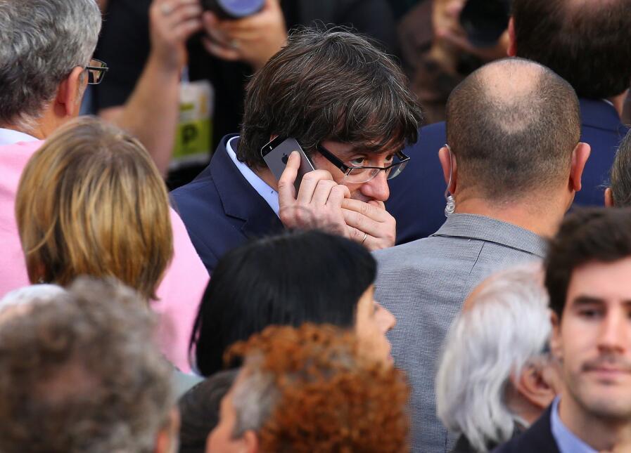En fotos: Catalanes protestan tras el pedido de Rajoy de intervenir la a...