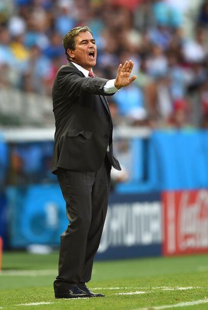 Tabárez no supo hacer modificaciones a su esquema táctico y permitió que...