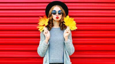 Consejos para combinar el gris y lucir a la moda en este otoño