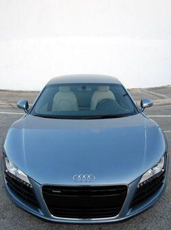 El R8 es el primer Audi de producción con motor central.