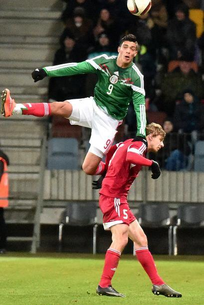Raúl Jiménez hizo los dos goles del equipo mexicano que mostró algunas d...