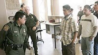 Piden mayor supervisión a programa que identifica a indocumentados deten...