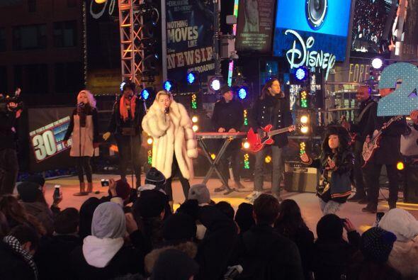 El Gordo vio muy cerquita el show que presentó Miley Cyrus.