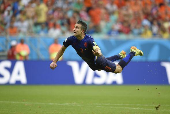 Robin Van Persie nos regaló uno de los mejores goles de la Copa Mundial...