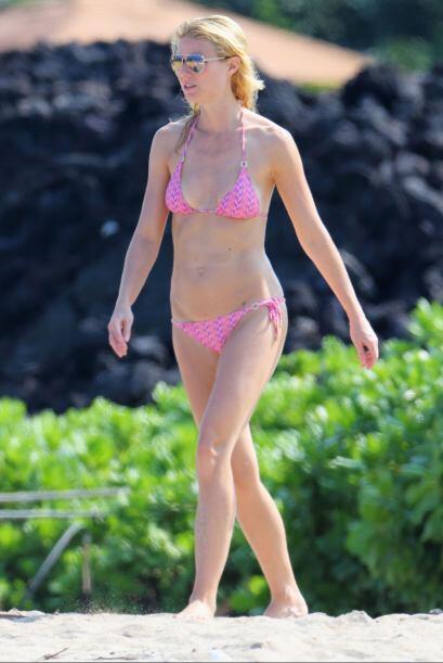 Gwyneth Paltrow sigue sintiendo la juventud por sus venas. ¡El rosa sigu...