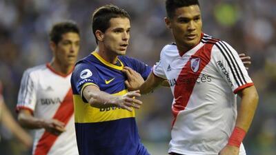 Te Gutiérrez y Gago en el clásico anterior que ganó River Plate