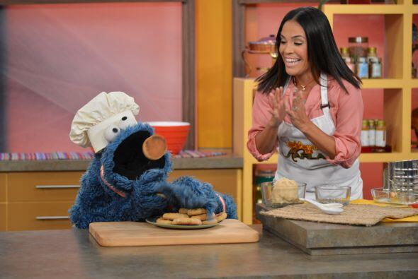 Karla quería hacer galletas para Cookie Monster. ¿Acaso la...