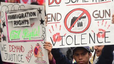 'Los Ángeles en un Minuto': Manifestantes exigen respeto para inmigrantes y trabajadores