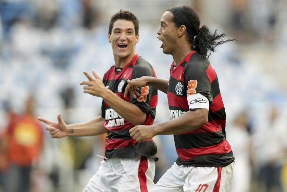Ronaldinho ganó y así jugará su primera final en la vuelta al fútbol bra...