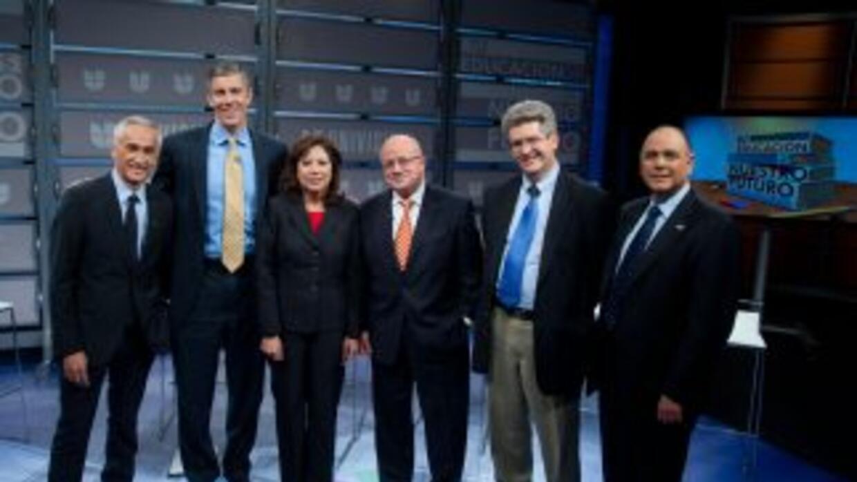 """Los panelistas que participaron en el foro """"Tu Educación es Nuestro Futu..."""