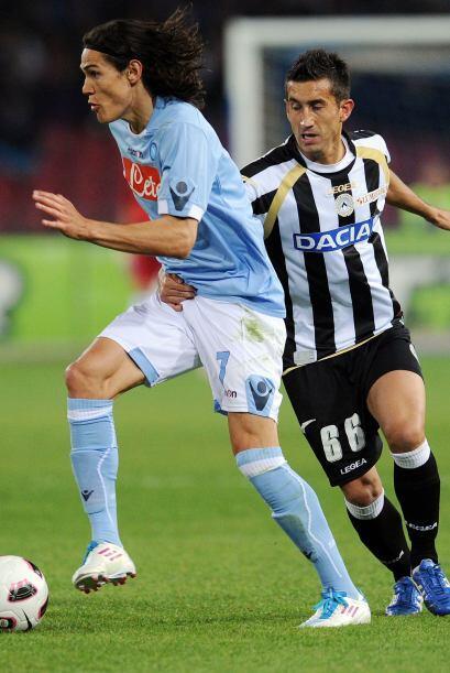 Nápoles buscaba seguirle el paso al líder Milan al recibir al Udinese.