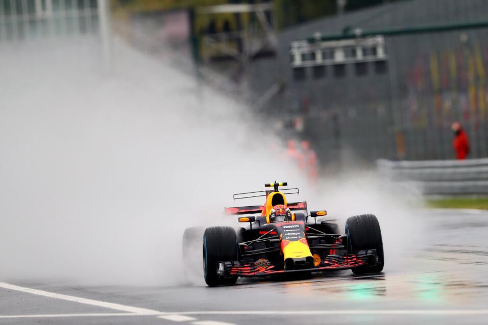 2.Max Verstappen (Red Bull) - Mejor tiempo: 1:36.113 / 29 vueltas