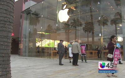 En Houston pocos asisten a protesta para apoyar a Apple
