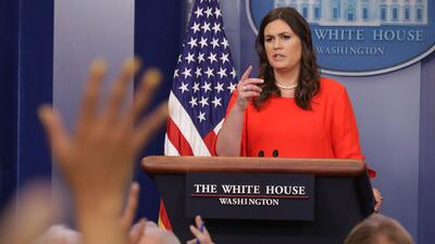 Sarah Huckabee Sanders solía cubrir las vacantes de Spicer, cada vez con...