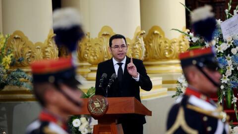 El presidente guatemalteco, Jimmy Morales, pronuncia un discurso el 28 a...