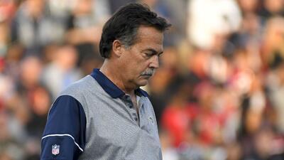 Jeff Fisher dirigió el domingo por última vez a los Rams.