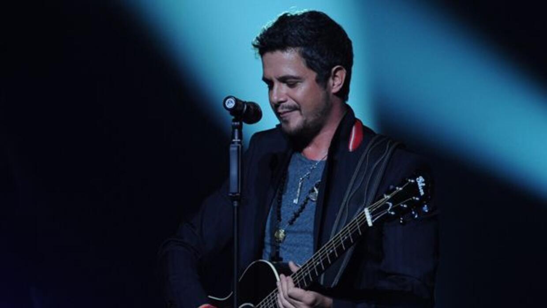 Alejandro Sanz participará en las sesiones acústicas de Latin GRAMMY.