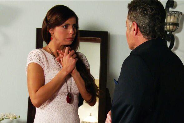 ¡No cometas otra locura Severiano! Es la mujer que tu hijo ama.
